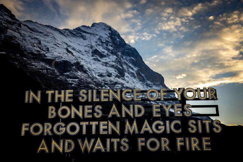 Künstler: Robert Montgomery, Kunstwerk: In the silence of your bones and eyes, Fotograf: davidbirri